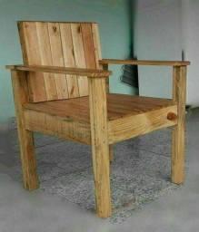 Título do anúncio: Poltrona de madeira rústica