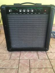 Amplificador para guitarra Moog sound.