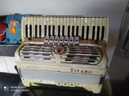 Acordeon Italiano Titano 120b