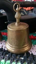 Antigo sino de bronze..1 kilo e 600 gramas.