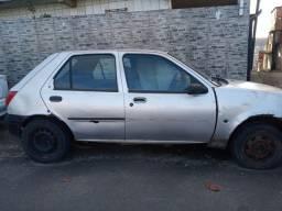 Título do anúncio: Carro Fiesta modelo 99/2000