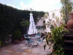 Casa com 3 dormitórios à venda, 420 m² por R$ 750.000,00 - Bom Jesus - Uberlândia/MG