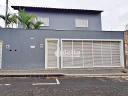Casa com 6 dormitórios para alugar, 355 m² por R$ 4.000,00/mês - Nossa Senhora Aparecida -