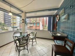 Título do anúncio: Apartamento localizado junto às Quatro Praças com  2 dormitórios tendo 100 m2 de área priv