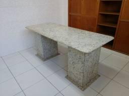 Título do anúncio: Mesa inteiriça de granito 1,7x0,71m
