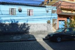 Alugo casa pequena no centro de Belford Roxo