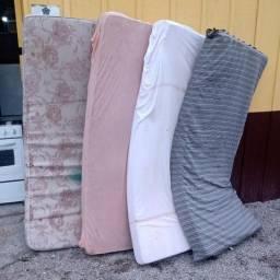 Título do anúncio: Conjunto de colchões de solteiro, com diferentes capas.