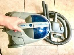 Título do anúncio: Aspirador de Pó Electrolux Modelo Lite 1 - 1.400W - 127v - Cinza C/ Azul