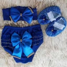 Conjunto de sapatinho calcinha e tiara
