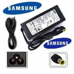 Título do anúncio: Carregador do notebook Samsung