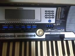 Vendo ou troco Teclado Yamaha psr550