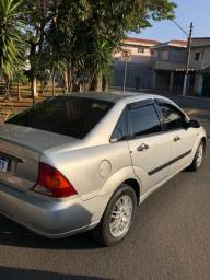 Título do anúncio: Focus Sedan / motor novo / completo
