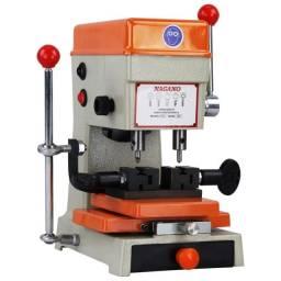 Máquina Copiadora de Chaves Pantográfica - 220V 60hz 180W (NOVO)