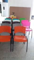Título do anúncio: Vendo cadeiras novas direto da fábrica