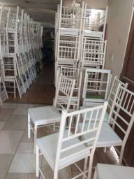 Título do anúncio: Vendo cadeiras reforçada ótima conservação Usada ( 70,00 CADA ) entrego