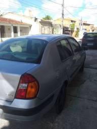 Clio sedan 2005 1.0 valor 10.000