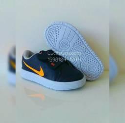 NOVO NA CAIXA!! Tênis Infantil Nike Marinho/Laranja