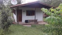 Alugo casa pequena mobiliada