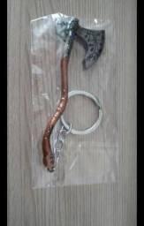 Chaveiro Machado do Kratos, gigante de 9,5 cm