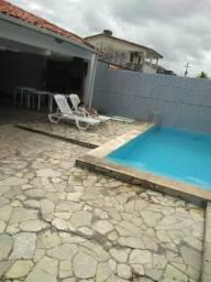 Alugo uma linda casa com 5 qts + piscina para réveillon, no forte orange Itamaracá.