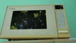 Microondas Panasonic 35 litros Funcionando e com Garantia. todo original