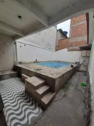 Casa em iraja com piscina Leia