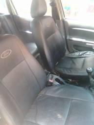 Ford fiesta Hatch.1.0 8v - 2005