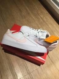 Tênis Nike novo- 37