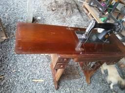 Vendo maquina de costura antiga