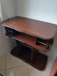 Duas estantes por R$ 50,00 cada