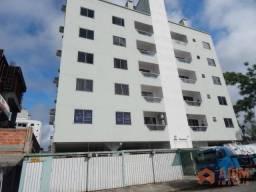 Apartamento com 2 dormitórios para alugar, 65 m² por R$ 1.550,00/ano - Tabuleiro - Cambori