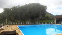 Lindo sítio com piscina e campinho de futebol