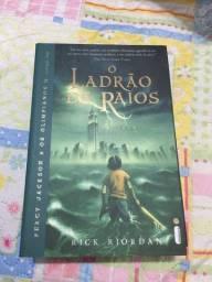 LIVRO - Percy Jackson o Ladrão de Raios