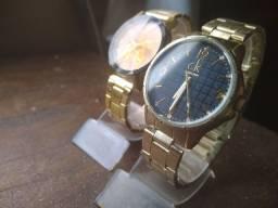 2 relógios femininos troco por qualquer coisa