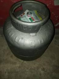 Gás cheio 180 ou vazio 100 reais