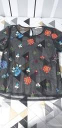 Blusa de tela florida