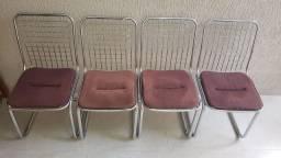 Jogo de Cadeiras Metálicas