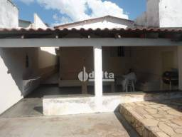 Título do anúncio: Casa à venda, 180 m² por R$ 365.000,00 - Marta Helena - Uberlândia/MG