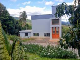Título do anúncio: Casa em terreno amplo e bem localizado em Dois Irmãos