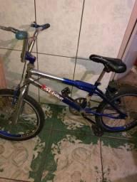 Título do anúncio: Vendo Bicicleta Cross Completa!!
