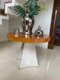 Mesa de canto (madeira e pé de couro)