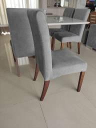 Excelente conjunto de Mesa com 08 Cadeiras