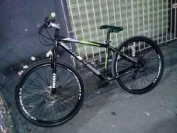 Vende-se essa bike aro 29 Semi novo