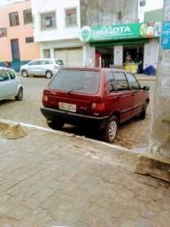 Título do anúncio: Vendo ou troco Fiat uno ano 95 em dias