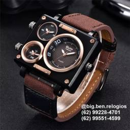 Título do anúncio: Relógio Oulm Importado, original, com três fusos horários