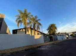 Título do anúncio: Execelente Casa em Lins com amplo terreno