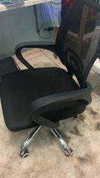 Título do anúncio: Cadeira giratória com sistema reclinável na caixa