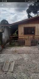 Casa de madeira2 quarto  550reais bairro alto