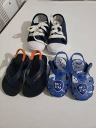Lote de sandálias e tênis infantil