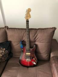 Guitarra Stratocaster Squier standard turbinada